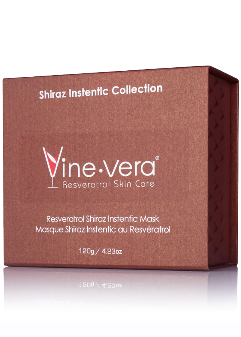 Shiraz Instentic Mask in it's case